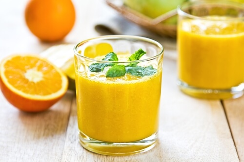 Mango-Orange-smoothie-by-some-fresh-ingredients